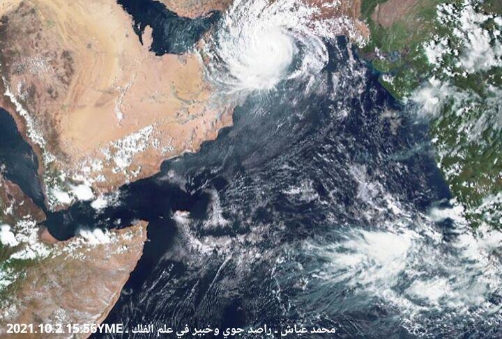 """سلطنة عمان تتجهز لإعصار """"شاهين"""" بمراكز الإيواء.. دعت المواطنين لترك منازلهم تجنباً لأي أضرار متوقعة"""
